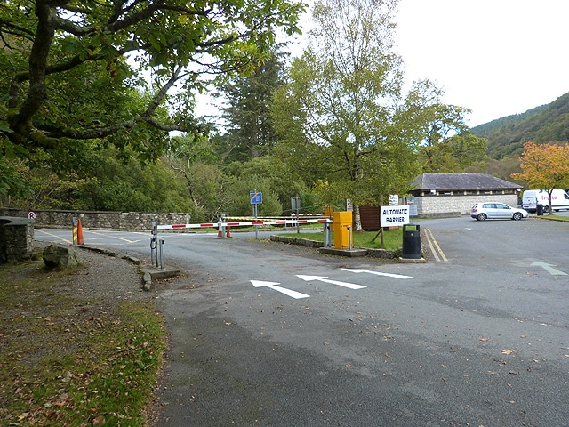 There is a car park at the entrance.