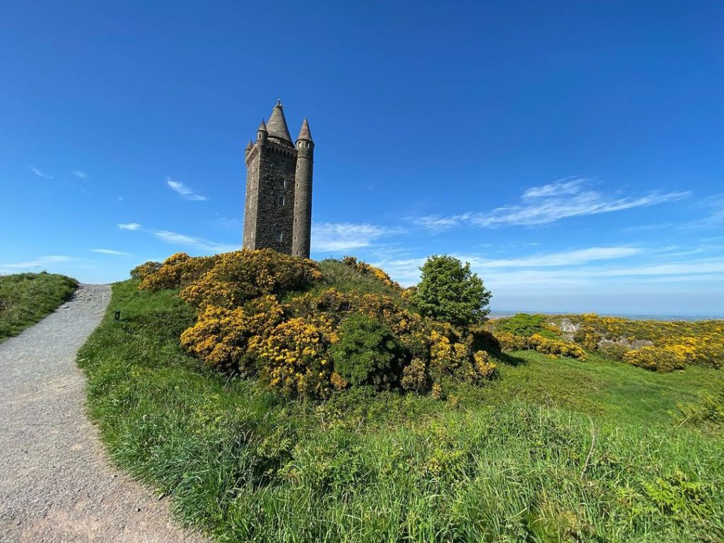 How long is Scrabo Tower walk?