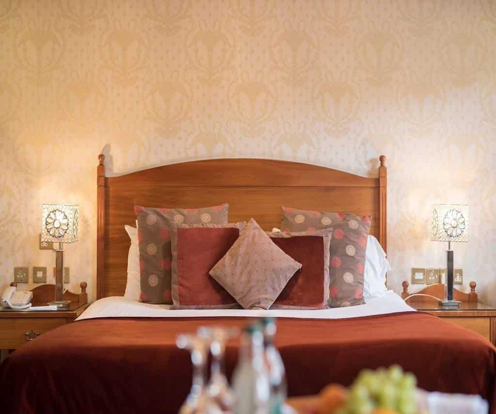 The Newgrange Hotel is a historic spot.